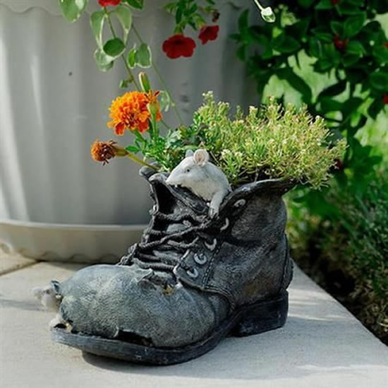 Como plantar em sapatos velhos