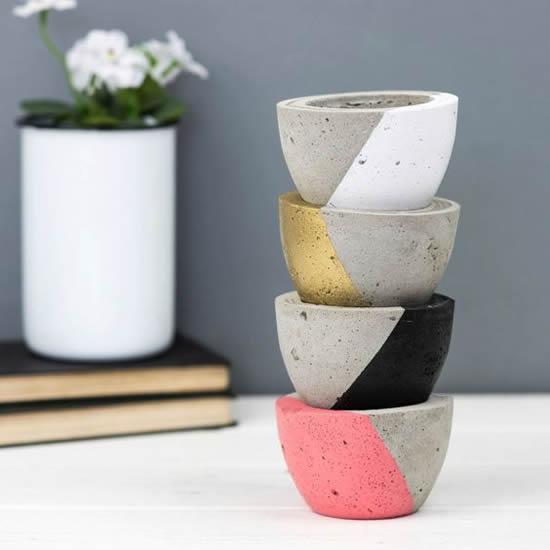 Vasinhos de Cimento com Suculentas