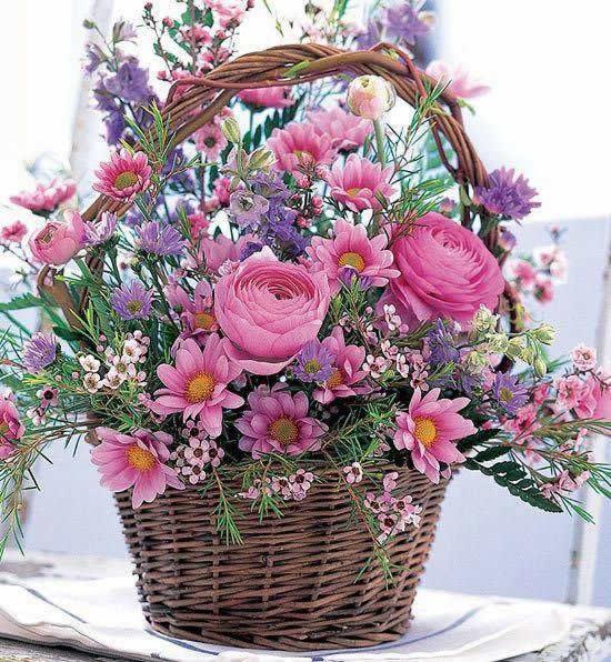 Cestas de Flores para Decoração do Jardim