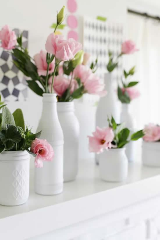Vasos de flores com potes de vidro