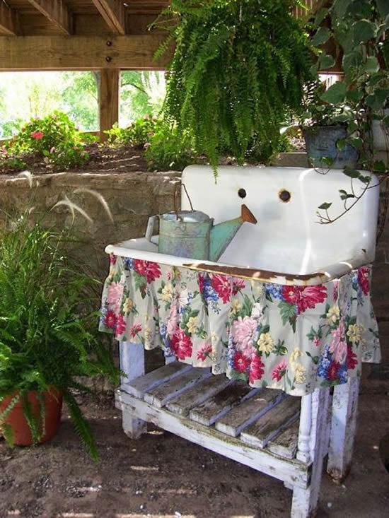 Decoração para Jardim com Móveis Velhos