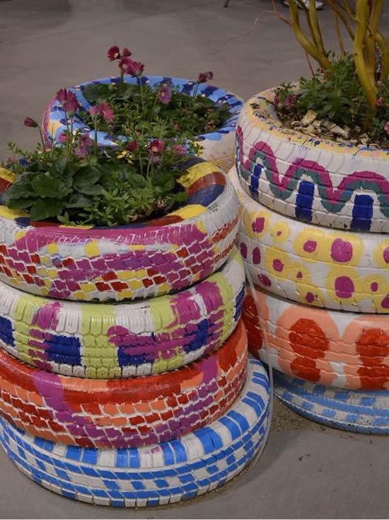 Vasos com Pneus Reciclados
