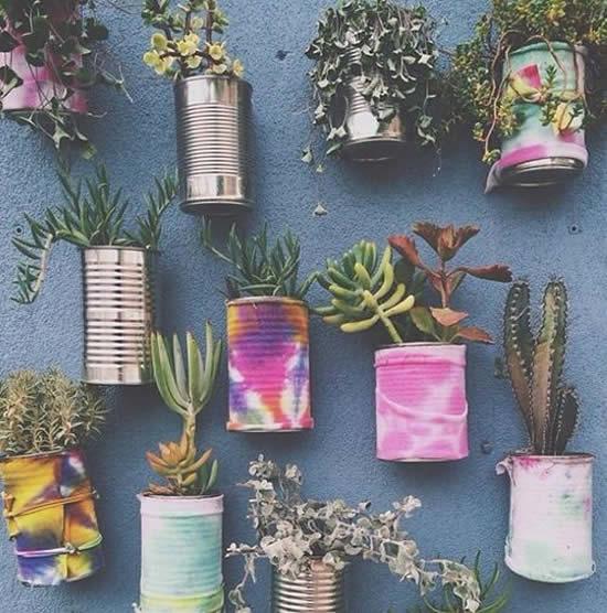 Ideias com Latas Coloridas para Jardim