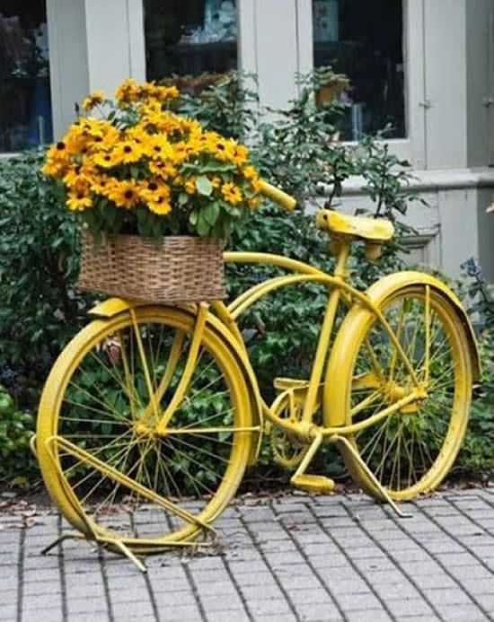 Decoração com Bicicletas Velhas