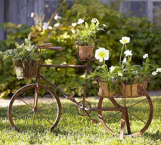 Bicicleta Velha para Decoração de Jardim