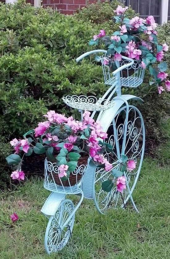 Decoração Linda com Bikes Velhas
