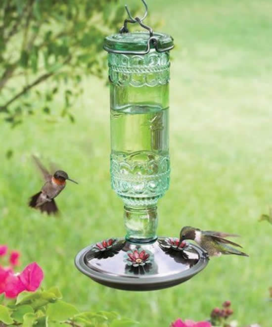 Jardins com Bebedouros para Pássaro