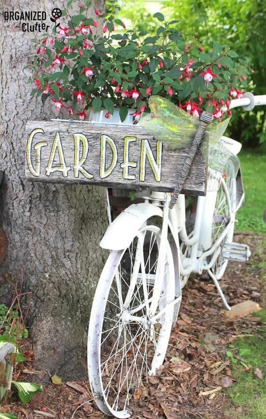 Enfeites para jardim com coisas antigas