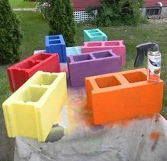 Decoração com Blocos de Concreto Coloridos