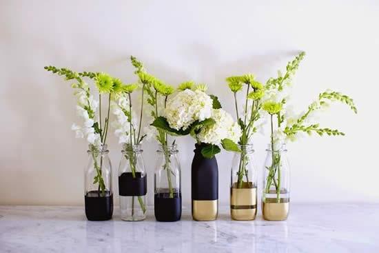 Vasos lindos com garrafas