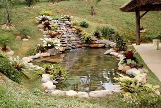 Decoração para lago em jardim