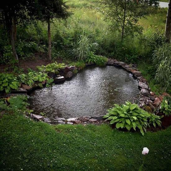 Lago incrível de jardim