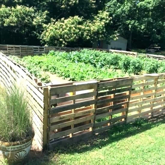 Cerca de pallets para jardim