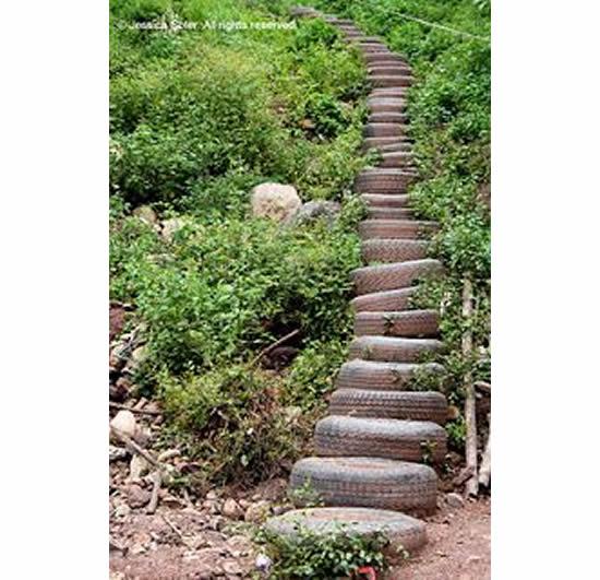 Escada linda com pneus