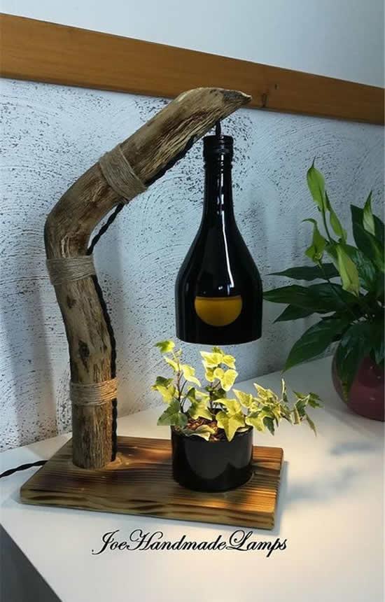 Vaso com garrafa de vidro para decoração