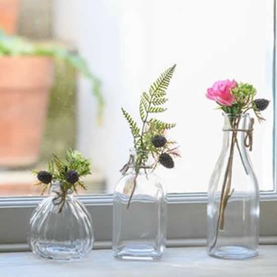 Vasos com garrafinhas para decoração