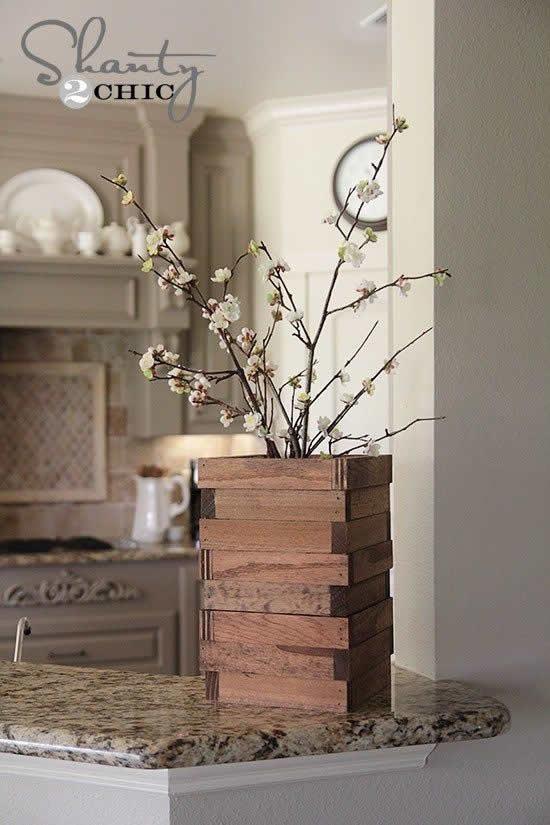 Vasos lindos de madeira