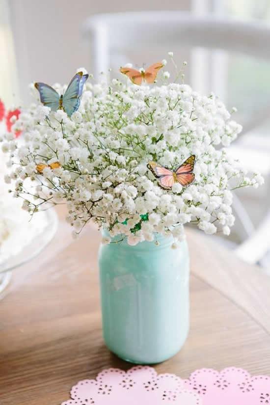 Arranjo floral para decoração com reciclagem