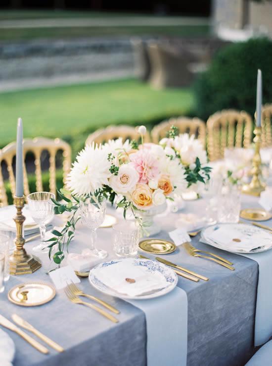 Arranjo de flor lindo para a mesa