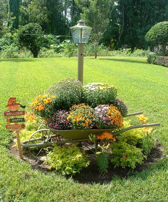 Decoração criativa com flores para jardim