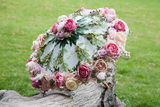 Enfeite com flores para jardim