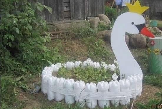 Decoração divertida para o jardim com reciclagem