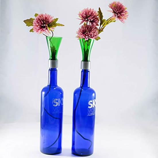Vasos decorativos com garrafas