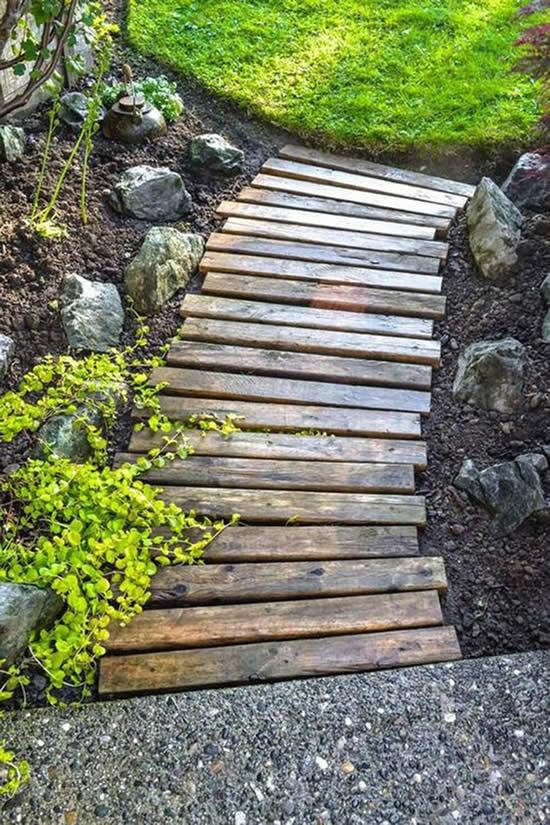 Caminhos incríveis para jardim com madeira