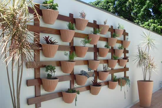 Ideias criativas para fazer parede decorada com plantas