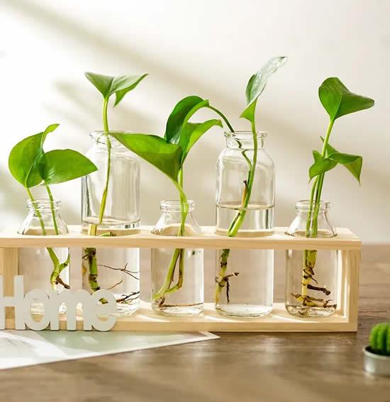 Lindo suporte para vasos em madeira