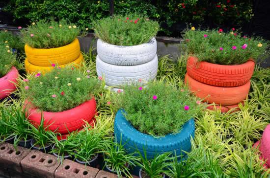 Decoração com pneus para jardim