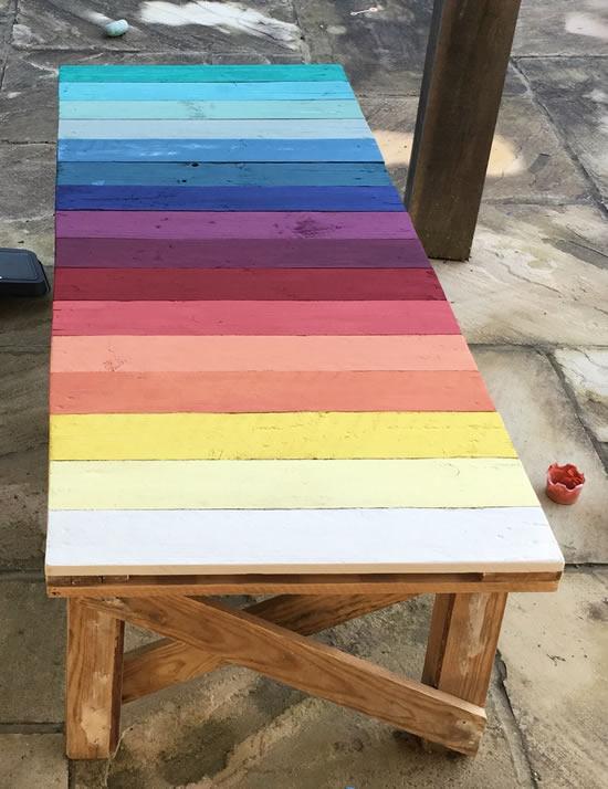 Pallets coloridos para decoração