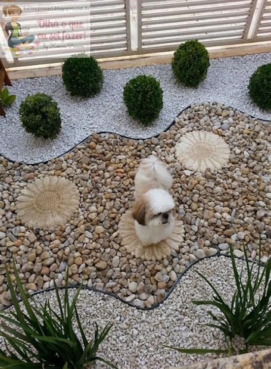 Decoração linda para o jardim com pedras