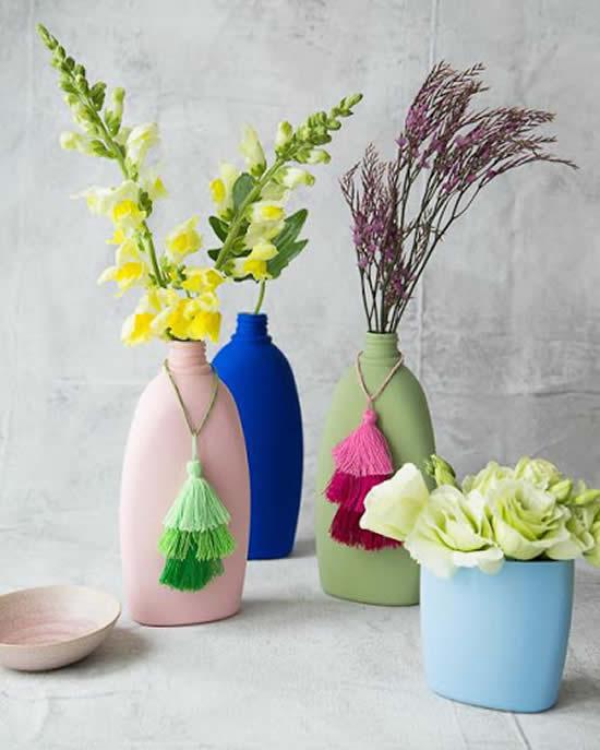 Vasinhos reciclados com plástico