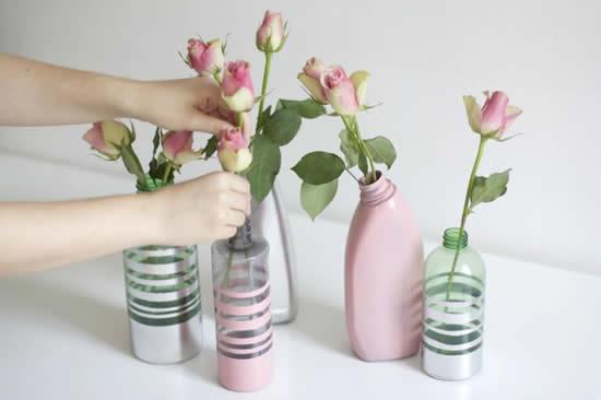 Vasinhos com plástico reciclado